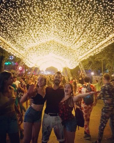 aykan festival-1_384x480